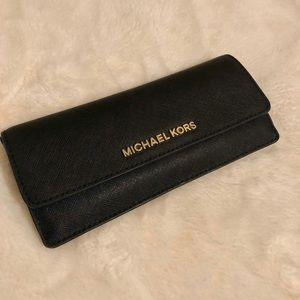 😍😍 Michael Kors leather wallet